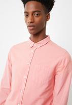Superbalist - Slim fit oxford shirt - pink