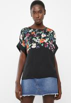 Vero Moda - Zoe top - black