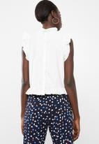 Vero Moda - Crisp frill top - white