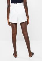 Vero Moda - Dala shorts - white