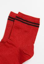 Superbalist - Sparkle ankle socks - red