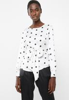 Vero Moda - Daniella dot tie long sleeve top - white