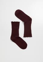 Superbalist - frill ankle socks - burgundy