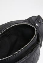 STYLE REPUBLIC - Quilted detail moonbag - black