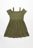 Rebel Republic - Cold shoulder dress - green
