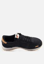 Nike - Air Vortex - black/black/praline sail
