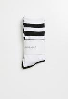 Superbalist - 2 pack sport ankle socks - white and black