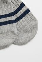 Superbalist - Stripe secret socks - grey