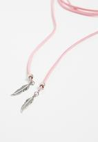 Jewels and Lace - Feather wrap choker - pink
