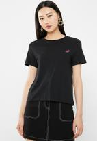Vero Moda - Patch t-shirt - black