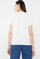 Vero Moda - Patch t-shirt - white
