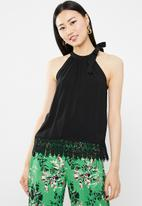 ONLY - Julie sleeveless woven top - black
