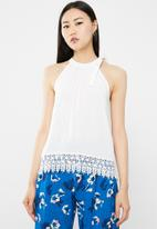 ONLY - Julie sleeveless woven top - white
