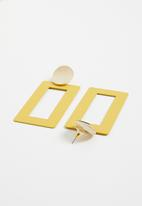 STYLE REPUBLIC - Statement earrings - yellow & gold