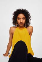 MANGO - Textured halter top - yellow