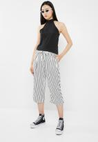 Jacqueline de Yong - King belted culottes - black