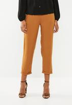 Superbalist - Soft tapered pants - bronze