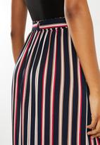Superbalist - A-line midi skirt with tie belt - navy