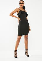 Superbalist - Structured ruffle dress - black