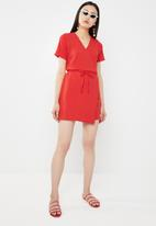 c(inch) - Basic wrap dress - red