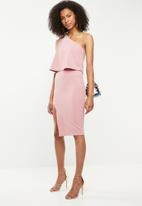 Missguided - Crepe one shoulder overlay split midid dress - pink