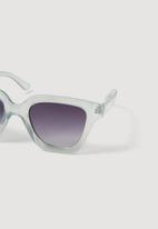 MANGO - Peyton sunglasses - pale blue