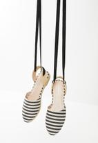 Superbalist - Daisy lace up espadrille - black and white