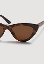 MANGO - Cat-eye sunglasses - tan