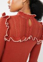 Vero Moda - Mendota ruffle knit - brown