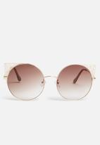 Superbalist - Izabel sunglasses - brown & gold