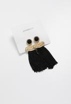 Superbalist - Oversized tassel earrings - black