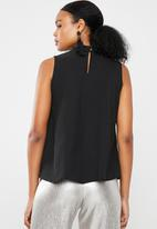 Superbalist - Sleeveless choker blouse - black