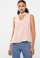 Superbalist - Sleeveless choker blouse - pink