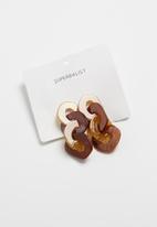 Superbalist - Resin link earrings - brown