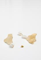 Superbalist - Hailee mismatched earrings - gold