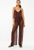Missguided - Floral printed chiffon printed jumpsuit - black