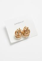 Superbalist - Knotted stud earrings - gold