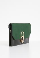 Superbalist - Toni buckle clutch - green & black
