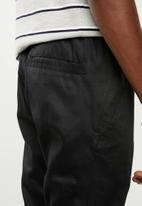 Resist - Dropped crotch joggers - black