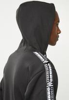 Umbro - Umbro taped oh hood - black & white