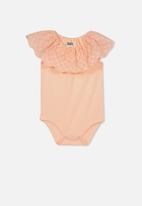 Cotton On - Katie broderie all in one - peach