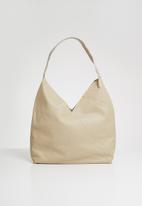 Superbalist - Zip pocket leather shopper bag-bone