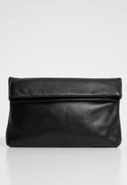 Superbalist - Foldover leather clutch - black