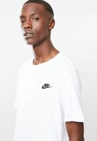 Nike - Nsw tee club embroided futura - white