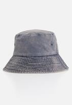 Superbalist - Denim washed bucket hat - blue