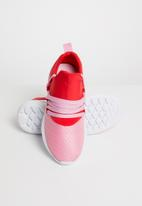 Cotton On - Stevie mesh trainer - scarlet