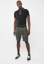 STYLE REPUBLIC - Block placket pique golfer - black
