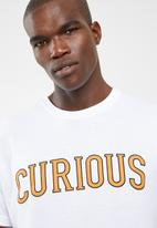 STYLE REPUBLIC - Curious tee - white