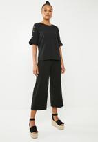 Vero Moda - Elisa pearl blouse - black