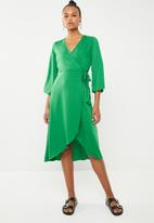 Vero Moda - Scarlet 3/4 wrap calf dress - green